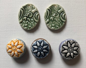 Round Flower Beads & Oval Ceramic Artisan 1 Hole Pendants - Swirl Pattern