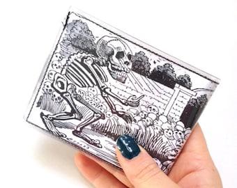 Mens José Guadalupe Posada Day of the Dead (Día de los Muertos) bifold vinyl wallet