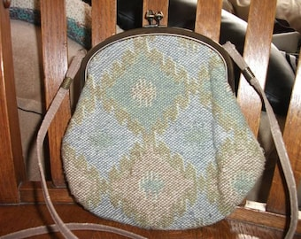 Vintage tapestry bag 1970 little clasp purse