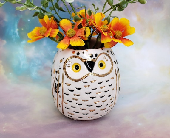 Snowy Owl Vase with Gold Luster