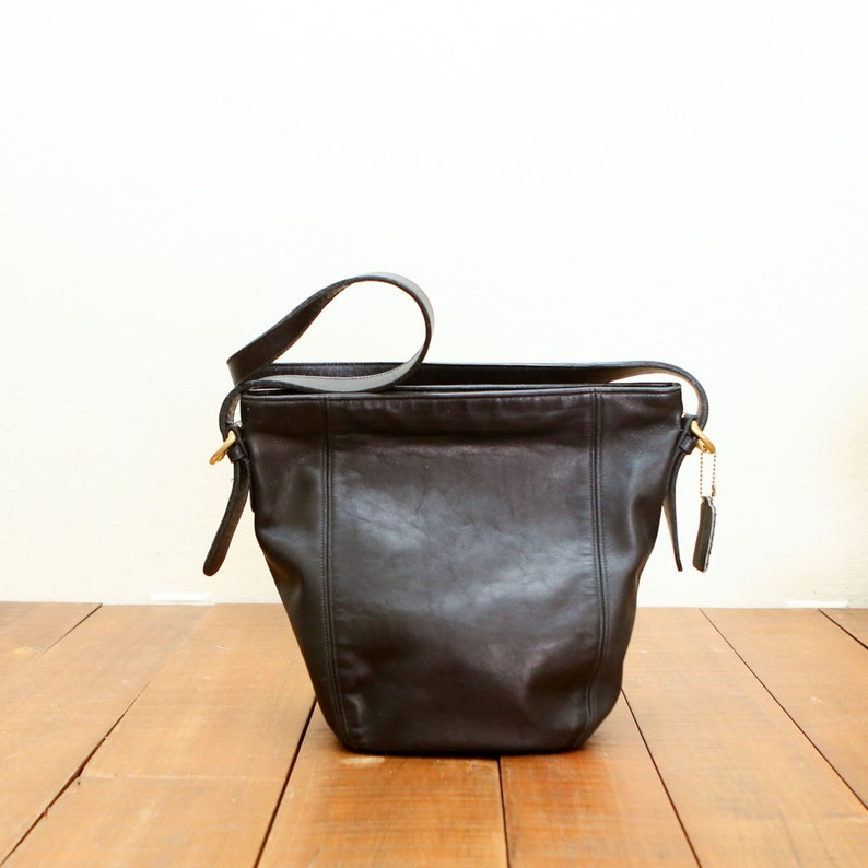 9c8078b2 Vintage Coach Black Shoulder Bucket Bag Tote Bag Purse Adjustable 4136