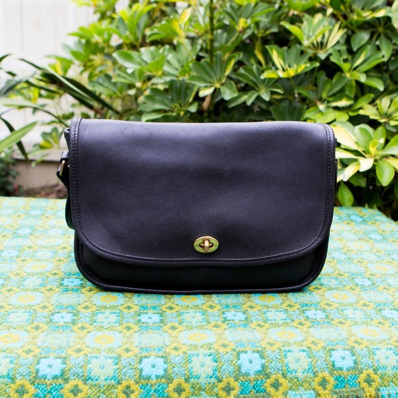 2915b962 Vintage Coach Leatherware Medium Black Cross City Flap Bag Cross Body  Leather Bag 9790 USA 0315191