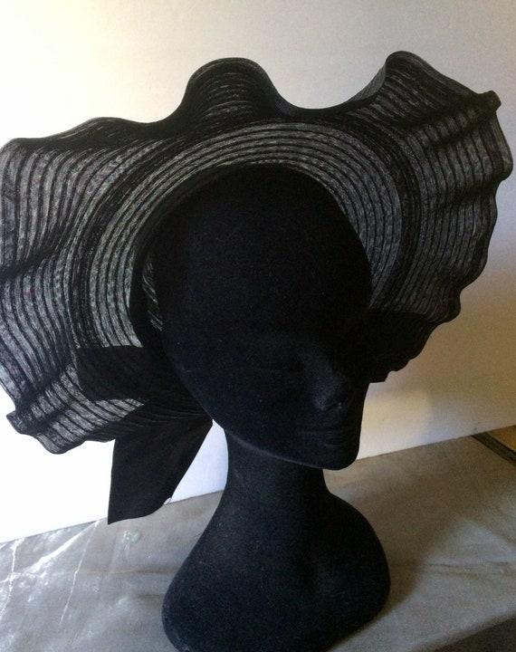 Vintage 30's Large Nylon Mesh Picture Hat, Sun Ha… - image 3