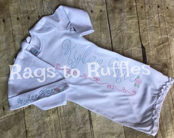Bébé fille Coming Home tenue - Personalized Infant Gown-Monogrammed Baby Gown Set-Monogrammed Baby Bib - grande soeur Shirt