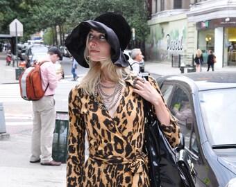 19b0ae67 CHRISTIAN DIOR Vintage 60s Oversized Brim Black velvet SATIN floppy hat
