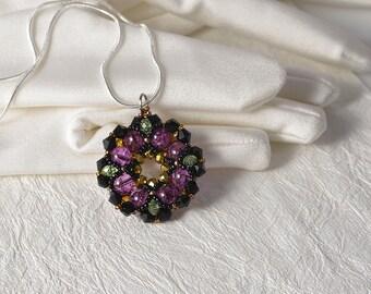 1x pearls & crystals beadwoven pendant