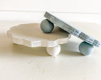 Scalloped small riser /tiered tray / display piece