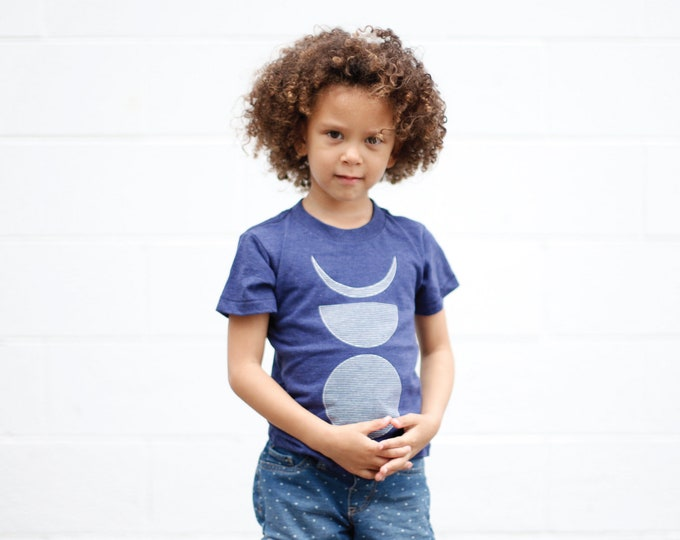 Lunar Cycle Moon Phases Shirt for Kids, Gender Neutral Clothing Gift, Geometric Lines Moon Shapes Print Short Sleeve Tee