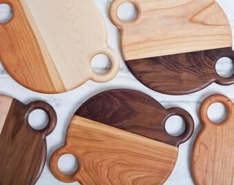"10"" Round cheese platter / cutting board"