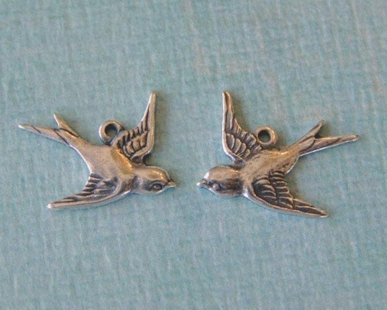 2 Silver Bird Charms 691 image 0