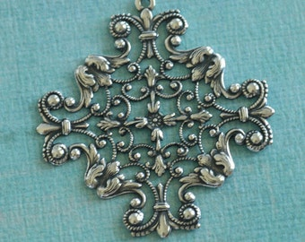 Ornate Silver Filigree Charm 2716