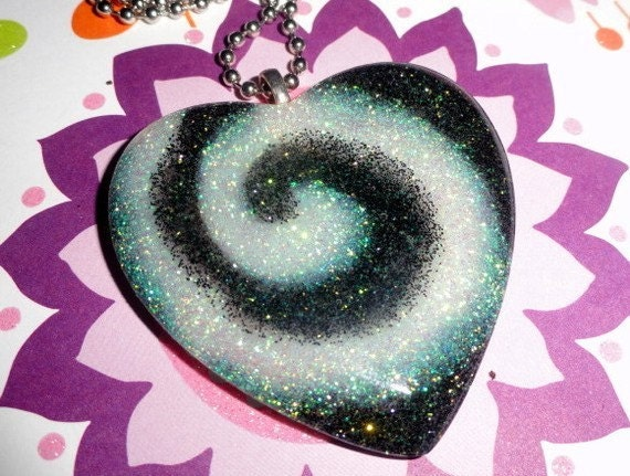 "Resin Mold Tapered Hearts 2/"" 55mm Pendant Heart Chocolate Fondant Plastic USA"