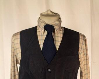 Men's Suit Vest / Vintage Navy Blue Waistcoat with Screen Printed/ Size    #4001