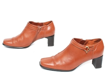 6275efd55a3 size 8.5 MOTO tan leather 80s 90s BUCKLE high heel zip up ankle boots