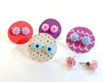 Small Flower Earrings, flower stud earrings, cute, lightweight earring, pink flower, colorful post earring, resin flower, surgical steel