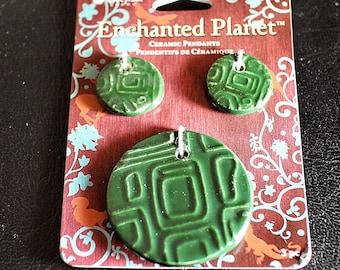 Enchanted Planet, Green Pendant Set