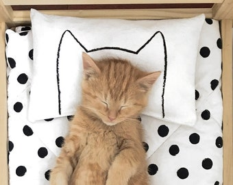 Catnip Pillow Kicker Toy for Cats and Kittens / fits IKEA Duktig doll beds by Xenotees