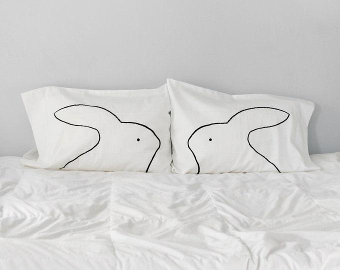 Bunny Rabbit Lover Pillowcase Set / Single Pillow case, adult, rabbit mom