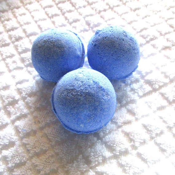 Pacific Waters Bath Bomb (Handmade, natural exfoliation, moisturizing, refreshing, wt. 2.8 oz individually packaged (No Cornstarch!)