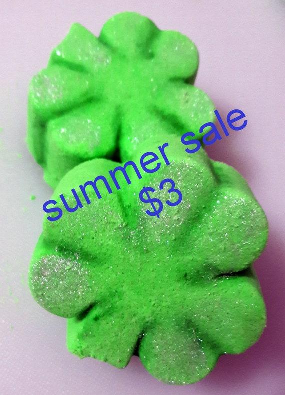 lucky Shamrock Bath Bomb Fizzy (handmade, moisturizes, naturally exfoliates, aromatic) Stardust Soaps Summer Sale