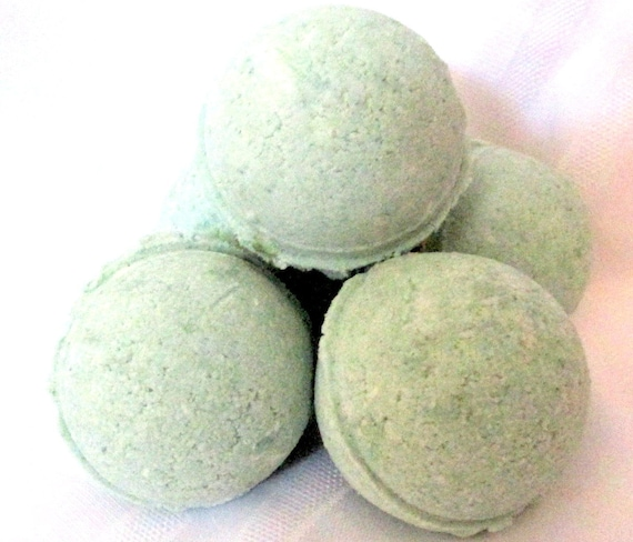 Eucalyptus Bath Bomb Fizzy/exfoliate/moisturizes/self care/personal care/natural/handmade/gift idea/contains NO cornstarch