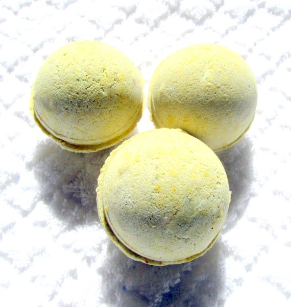 Mayan Gold Bath Bomb (Handmade, exfoliate, moisturizes, soothing, individually packaged wt. 2.8 oz (NO Cornstarch!)
