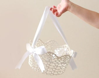 """Lace flower girl basket, ROUND white lace basket, Simple flower girl bag, Stiffened crochet lace, Classic white lace basket - 5"""""""