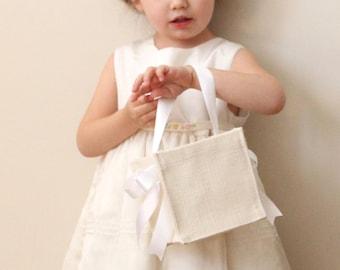 "Ivory jute flower girl basket, Simple burlap basket, Rustic wedding, Burlap flower girl bag, Ivory or white ribbons - 5"" square"