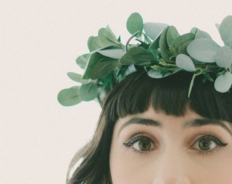 Faux eucalyptus hair crown, Eucalyptus bridal wreath, Artificial green leaves, Silver dollar, Boho bridal hair, Woodland sage leaf crown