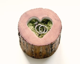 Rustic wood heart box, Moss ring bearer, Heart cut out box, Woodland wedding ring bearer, Rustic heart wood slice, Unique ring bearer pillow