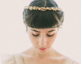 Gold pearl bridal headpiece, Gold woodland crown, Stefana, Wedding headband, Rustic golden head piece, Gold hair crown, Gold bridal wreath