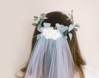 Eucalyptus bridal veil, Tulle comb veil, Flower hair comb, White tulle veil, Boho bridal veil, Wedding hair accessory, Green eucalyptus veil