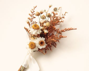 Dried flower boutonniere,  Autumn wedding boutonniere, Orange yellow flower, Wedding boutonniere, groomsmen boho boutonniere