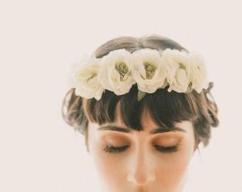 Ivory flower crown, Bridal floral wreath, Off-white and green garland, bridal head piece, White vintage flowers, woodland wedding crown