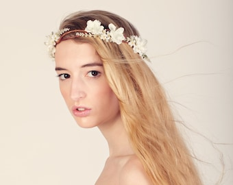 Boho hair crown, Bridal flower crown, Woodland wedding head piece, white flower crown, Bridal headpiece, Rustic white flower crown