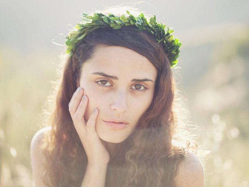 Boxwood crown Botanical leaf headpiece Boho bridesmaid image 0