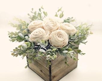 Sola flower arrangement, Wedding centerpiece tables, Boho wedding table, Rustic barn center piece, Sola green farmhouse, Pallet wood planter