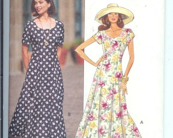 Butterick  Misses/Petite DRESS Fast and Easy  Vintage Sewing Pattern  6639  Size  6-8-10 UNCUT
