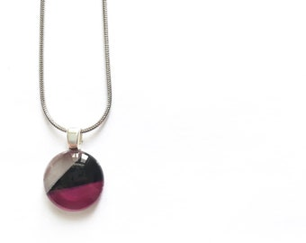 Black, fuchsia & silver necklace | minimalist lines | on stainless steel chain | hand painted glass by azurine