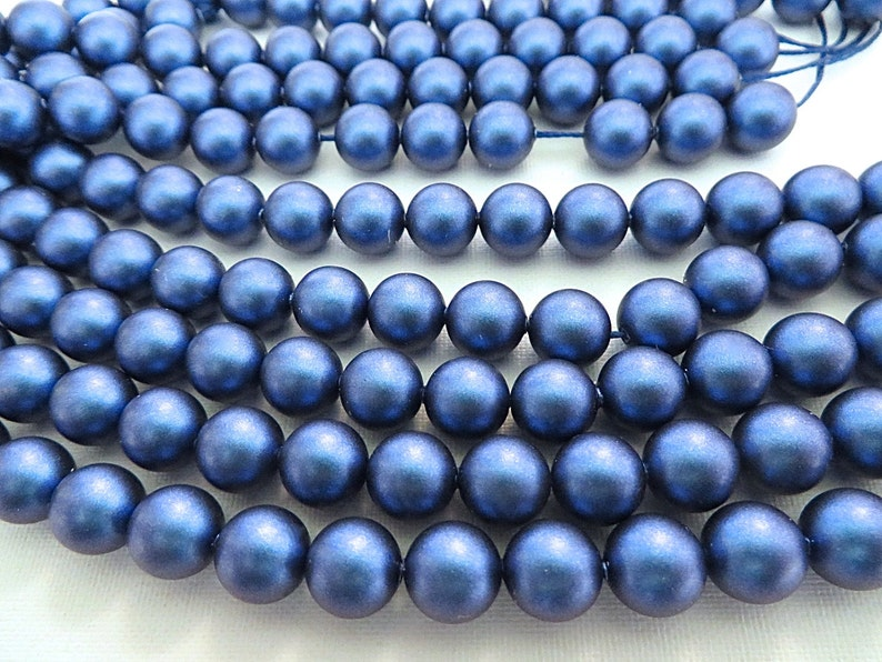 25 White Swarovski Crystal Beads Pearls 5810 8mm