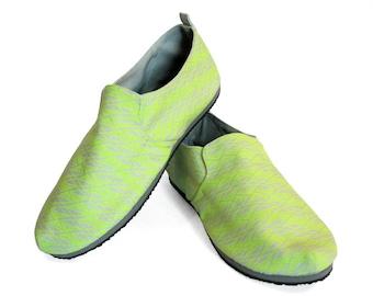 Sz. 11 Lt Grey Neon Yellow Diamonds Canvas/Rubber Lightweight Slip On Shoe