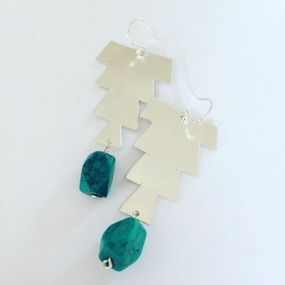 Emerald Green Hammered Sterling Silver Earrings - Moroccan Inspired - Gypsy - Festival - Geometric - Art - Planished