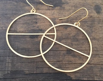 Brass Hoops with Line Earrings - Gold - Modern - Simple - Geometric - Circles - Rings-