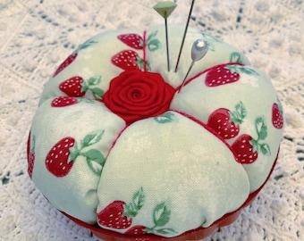Retro strawberries Pin/Jewelry Keep rose green jello mold  ECS svfteam RDT Free ship USA