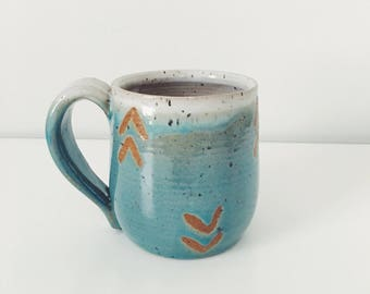 Blue Arrows Ceramic Coffee Mug, light blue coffee cup pottery mug geometric pattern speckled blue mug