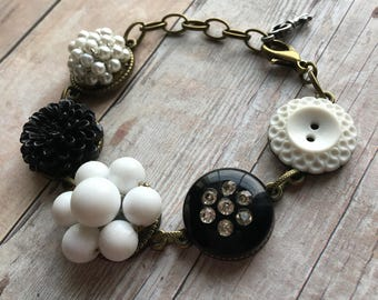 Black & White Vintage Earring and Button Bracelet, Vintage Jewelry, Recycled Jewelry, Vintage Bracelet, Adjustable Bracelet, Button Jewelry