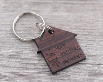 House Shaped Keychain - New Home Gift - Realtor Gift - Housewarming Present - Wood Keychain - Custom Wood Keychain - Couples Gift