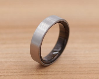 Titanium Ring Lined with Chacate Preto - Wedding Band - Unique Wedding Ring - Titanium Wedding Band