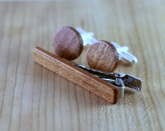 Wooden Cufflinks and Tie Bar set - Brazilian Cherry - Groomsmen gift - 5th wedding anniversary present - Round Cuff Link - Gift for Him