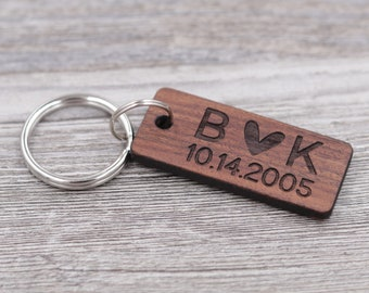 Initials with Heart & Date Keychain, Personalized Keychain, Custom Wood Keychain, Gift for Him, Gift for Her, Anniversary Gift, Small Gift